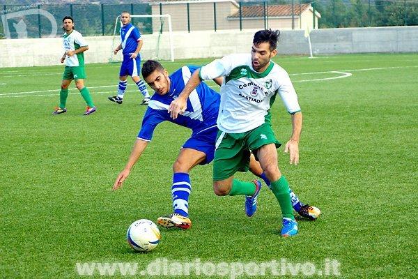 Christian Viani pressato da Lorenzo Marras